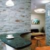 Отделка стен квартиры искусственным камнем