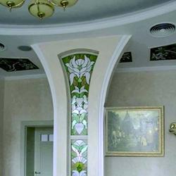 Как украсить интерьер колоннами