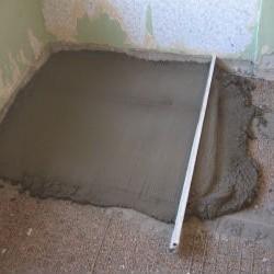 Особенности выравнивания пола из бетона